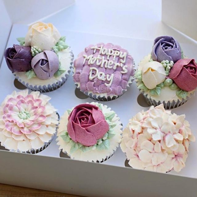 You can customise your cupcakes to the occasion matching colourhellip